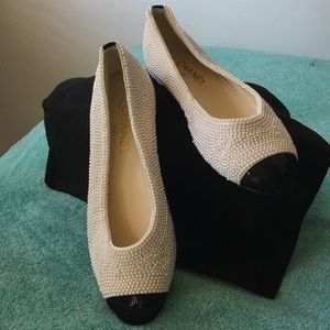 CHANEL pearl/bk sequin Ballet shoe.  Size 40.5 NWT